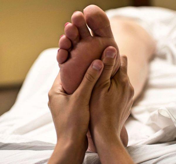Massaggio riflessogeno plantare